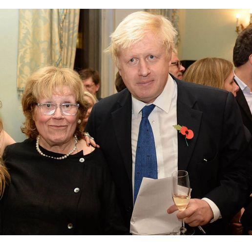 Борис Джонсън с майка си Шарлот