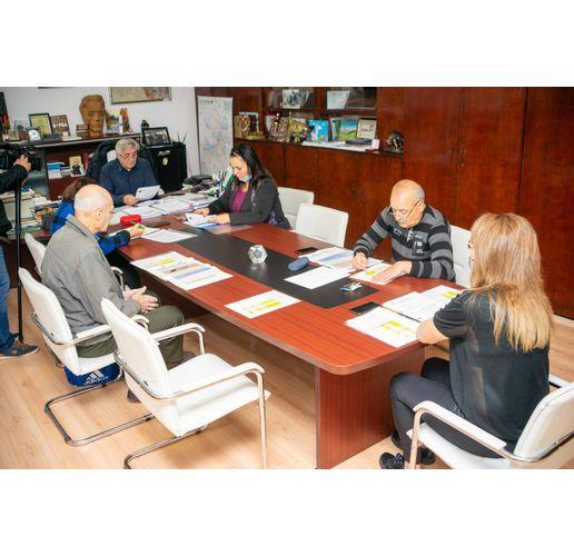 Консултации за преразпределяне местата в СИК