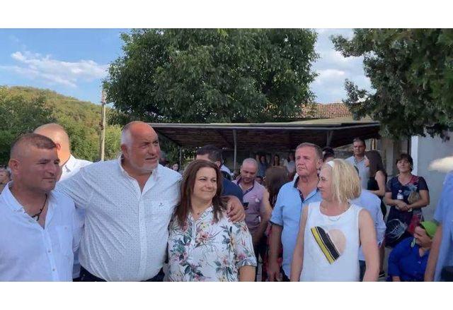 Борисов на сватба в село Медовец