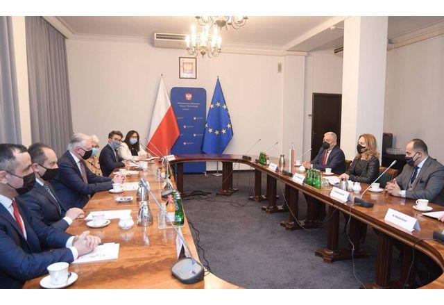 Вицепремиерът Марияна Николова на среща с Ярослав Говин, заместник министър-председател и министър на икономическото развитие