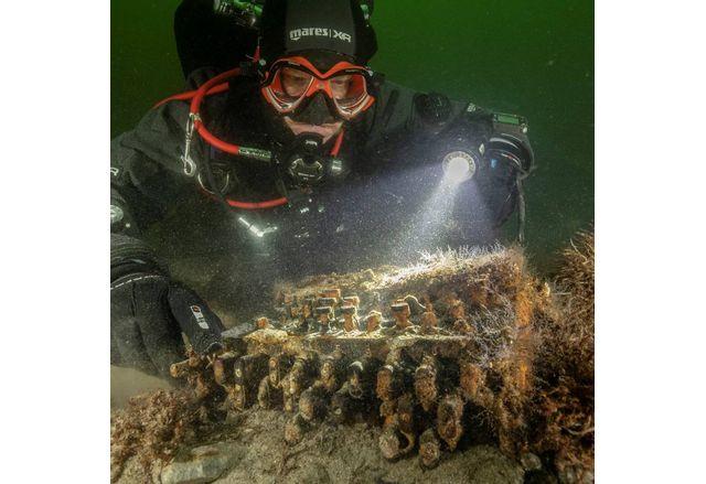 Водолази откриха в Балтийско море шифровални машини Енигма