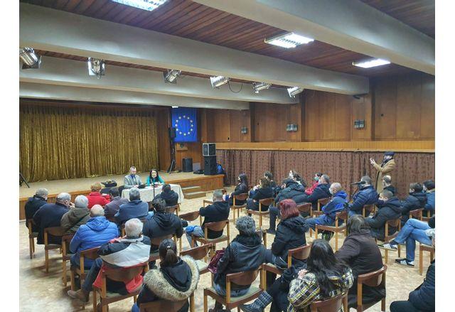 Депутатът от ГЕРБ Калин Вельов се срещна с културни дейци от Велико Търново
