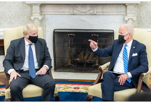 Джо Байдън и Борис Джонсън в Белия дом