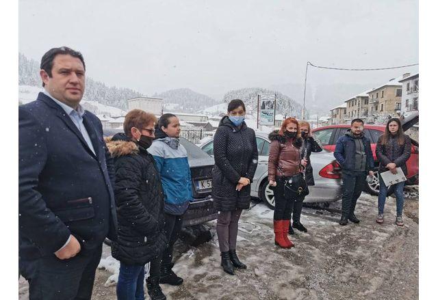 Д-р Дариткова и другите кандидати за народни представители от коалиция ГЕРБ-СДС на среща в Борино