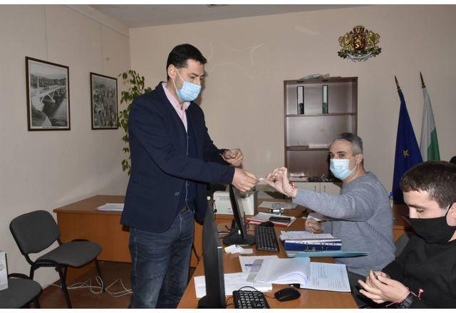 Иван Тотев регистрира листата с кандидат-депутати на ПП ГЕРБ в Пловдив