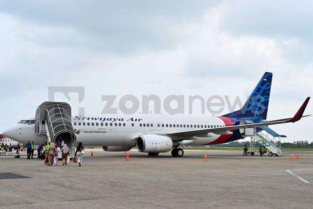Индонезийски самолет с 62 души на борда е катастрофирал в Яванско море