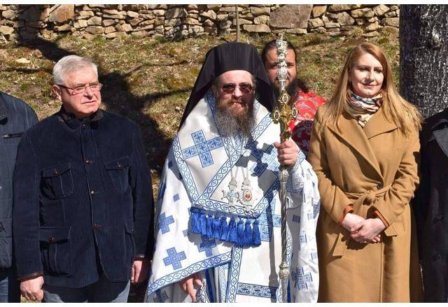 Кандидатите за народни представители на коалиция ГЕРБ – СДС в Перник присъстваха днес на Архиерейска света Литургия