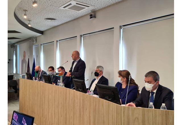 Ключовите политики от предизборната си програма представи днес ГЕРБ по време на среща с КНСБ