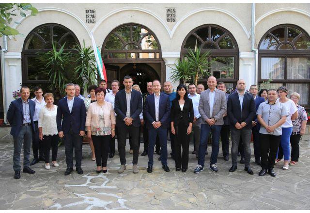 Коалиция ГЕРБ-СДС откри кампанията си в Ямбол
