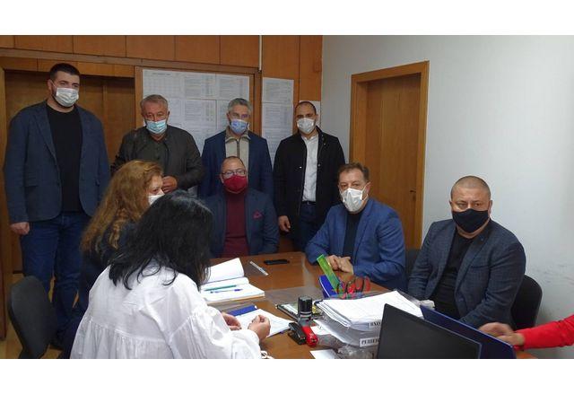 Коалиция ГЕРБ-СДС регистрира листата си в старата столица