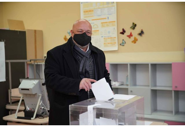 Красен Кралев гласува