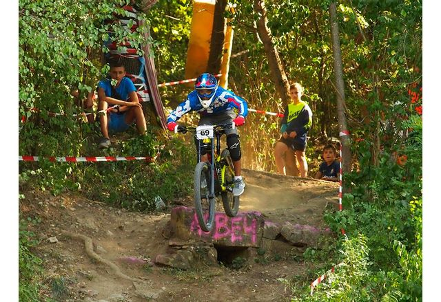 Ловеч приема финала на детските колоездачни серии