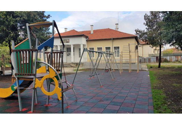 """Новата площадка в """"Горно Езерово"""""""