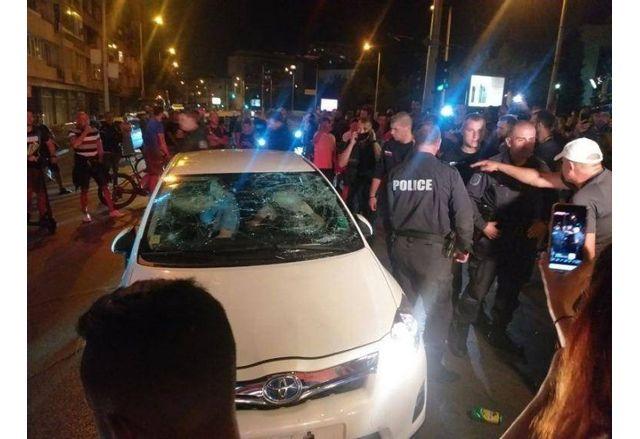 Предадоха на съд протестърите, изпочупили лятото колата на майка с две деца