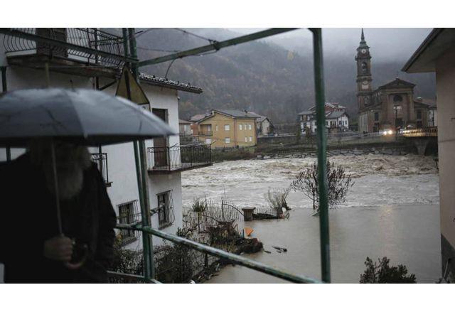 Проливни дъждове предизвикаха наводнения в Южна и Северна Италия