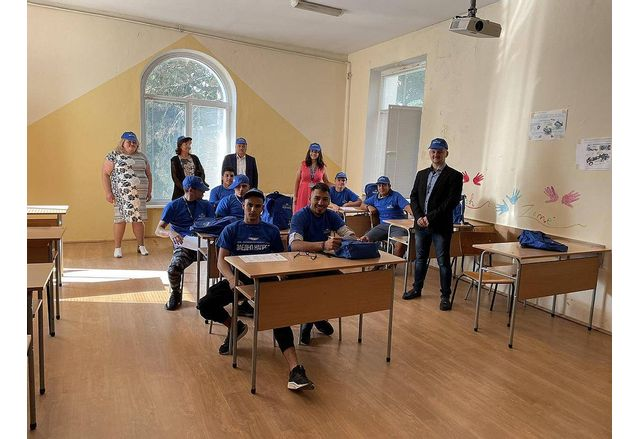 Първите ученици от дуалната форма на обучение в ПГ по МСС започнаха работа в Локомотивно депо - Мездра