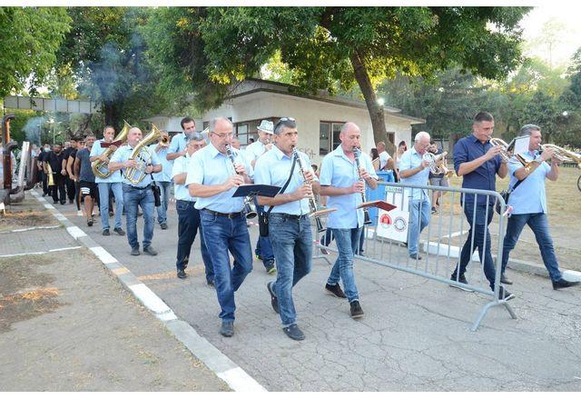 С шествие на духови оркестри започна панаирът във Видин