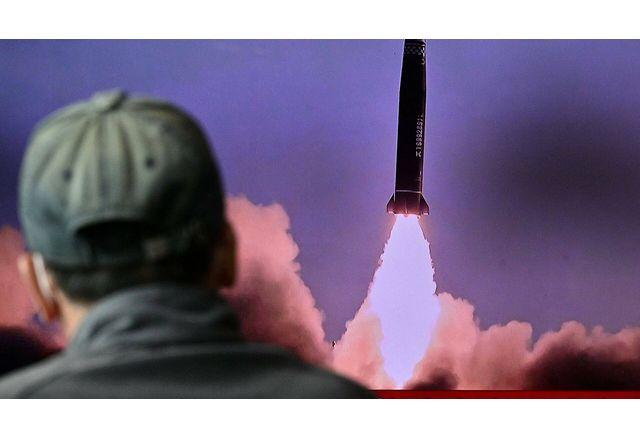 Северна Корея каза, че вчера успешно е изстреляла ракета от подводница