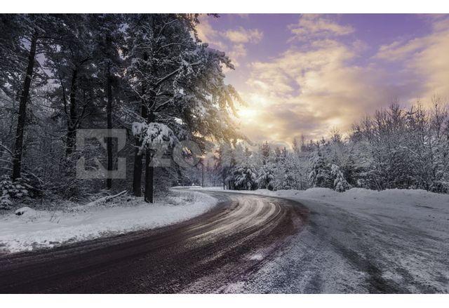Събота дойде със сняг, АПИ предупреждава шофьорите