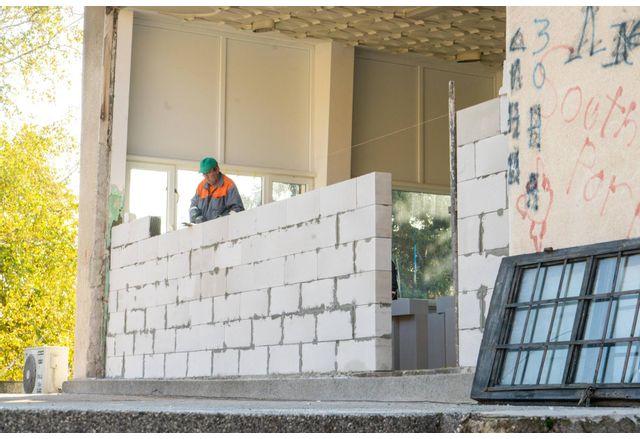 Тече основен ремонт в Центъра за подкрепа за личностно развитие в Мездра `