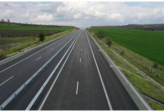 Утре пускат още 10 км ремонтирани от АМ Тракия край Чирпан