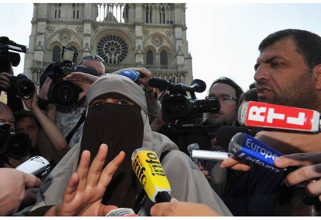 Френският парламент одобри необходим закон срещу радикалния ислям
