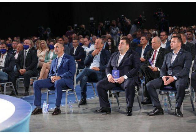 Цветан Цветанов и Павел Вълнев на учредяването на партията Републиканци за България