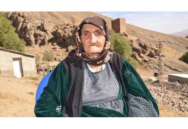 117-годишната Мутебер Енгиндениз, която пребори COVID-19