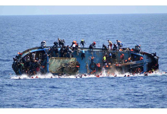 57 мигранти се удавиха край Либия