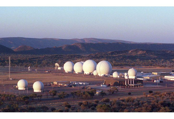 Съществуваща американска база Pine gap на АНС и ЦРУ в северната част на Австралия, Алис Спрингс